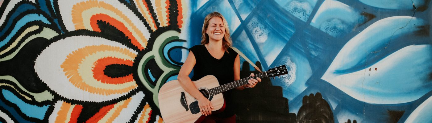 Nikki Shue- Singer/Songwriter/Acoustic Guitar